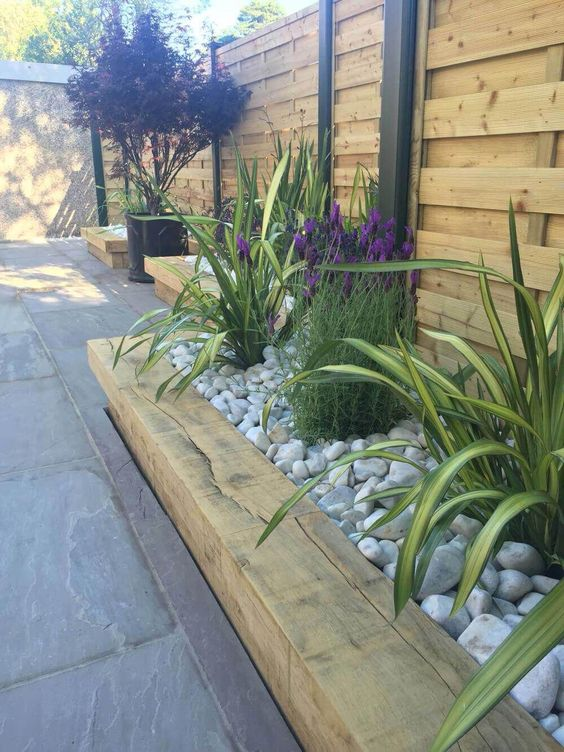 fence landscaping ideas 18