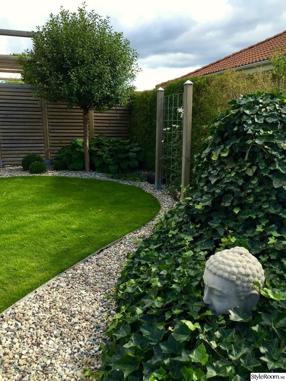 fence landscaping ideas 22
