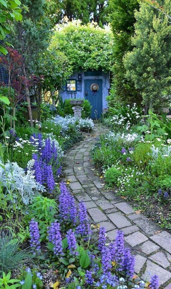 flower backyard ideas 23