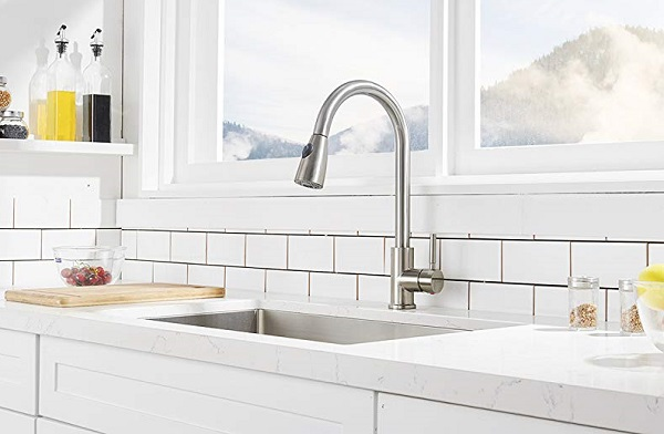 kitchen faucets feature