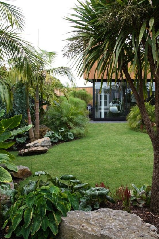 tropical backyard ideas 12