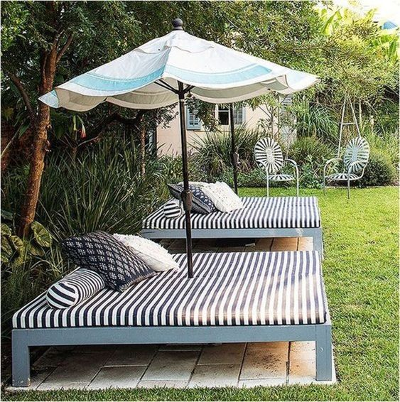 Backyard Furniture Ideas: Cozy Catchy Sleepers