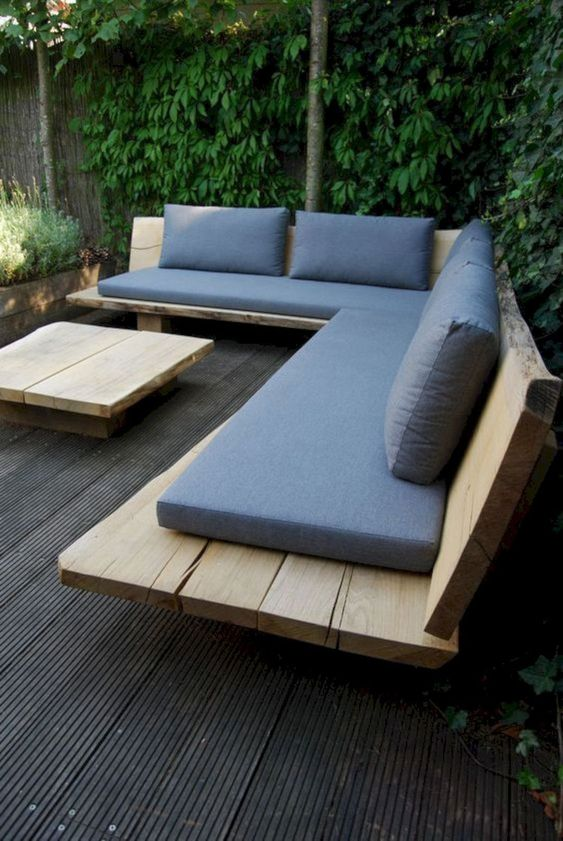 Backyard Furniture Ideas: DIY Stylish Sectional