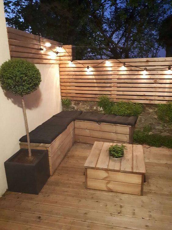 Backyard Furniture Ideas: DIY Wooden Furniture