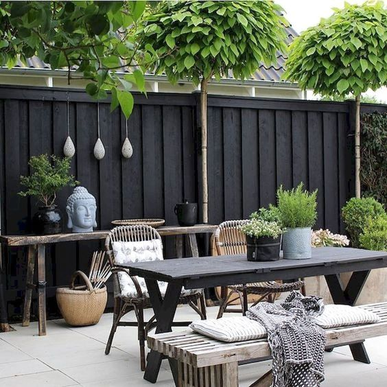 Backyard Furniture Ideas: Rustic Vintage Decor