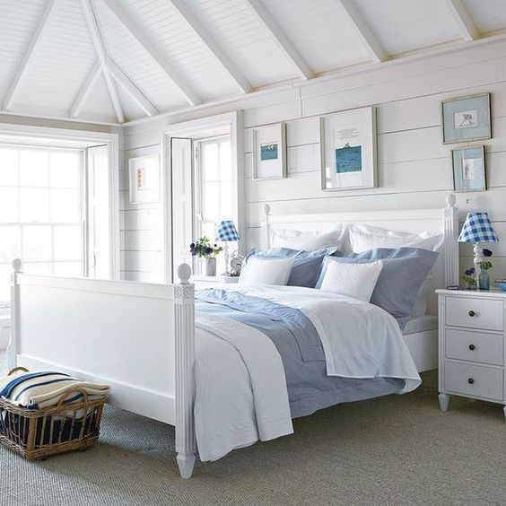 Beach Bedroom Ideas: Beautiful Attic Bedroom