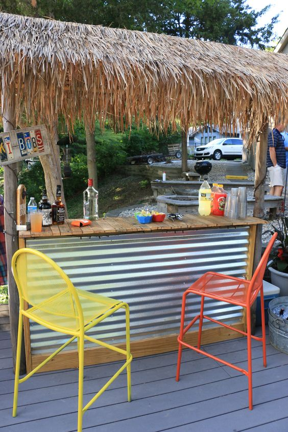 Backyard Bar Ideas: DIY Tiki Bar