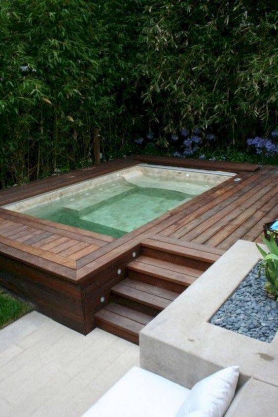 Small Swimming Pool: Stunning Modern Pool