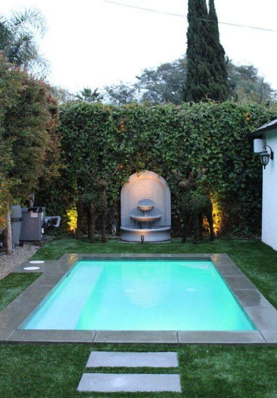 Small Swimming Pool: Sleek Modern Pool