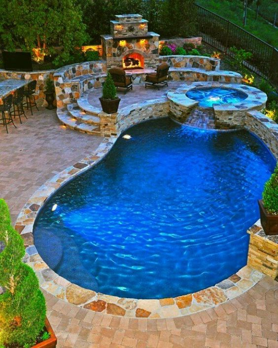 Swimming Pool with Hot Tub: Chic Cozy Decor