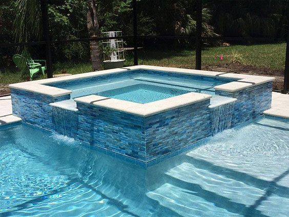 Swimming Pool with Hot Tub 25