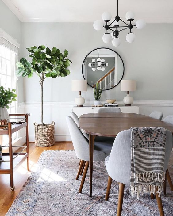 Eclectic Dining Room: Chic Neutral Decor