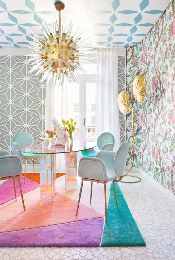 Eclectic Dining Room: Fascinating Festive Decor
