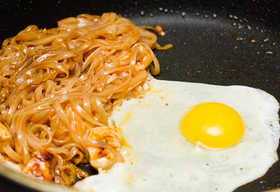 Phở xào chua ngọt theo công thức đơn giản dễ ghiền 5