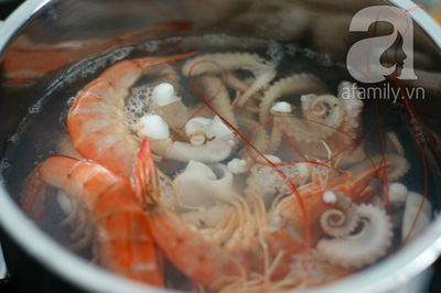 Món ngon cuối tuần: Miến trộn hải sản 7