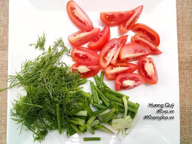 Mực xào dưa chua lạ miệng, đổi món ăn tươi dịp cuối tuần - 3