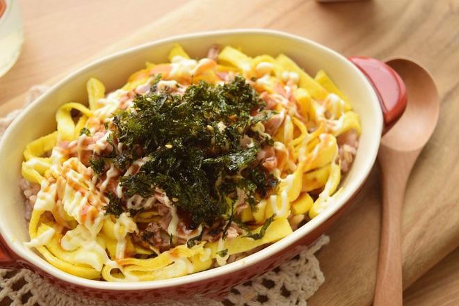 Cơm cá ngừ sốt mayonnaise cho bữa ăn nhanh gọn tiện lợi - Ảnh 7.