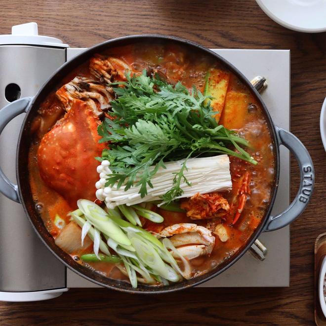 Món ngon cuối tuần: Lẩu cua Hàn Quốc - Ảnh 8.