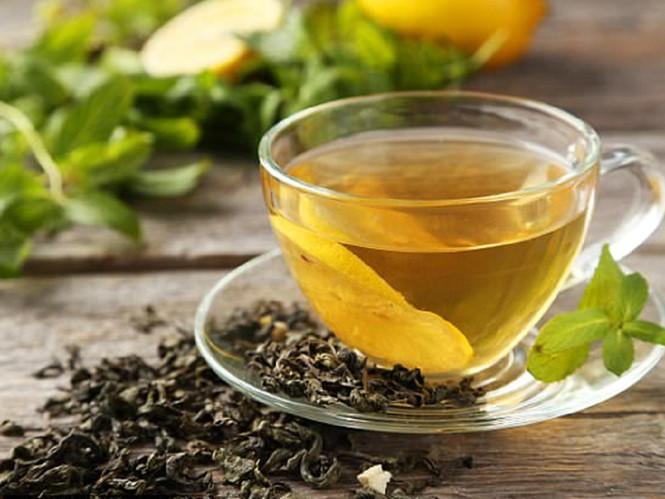 Chất tannin trong trà khiến răng dễ bị ố vàng - Ảnh: Shutterstock