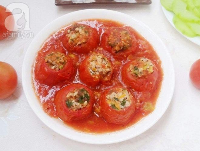 Cơm tối nóng hổi đậm đà với cà chua nhồi thịt hấp dẫn - Ảnh 7.
