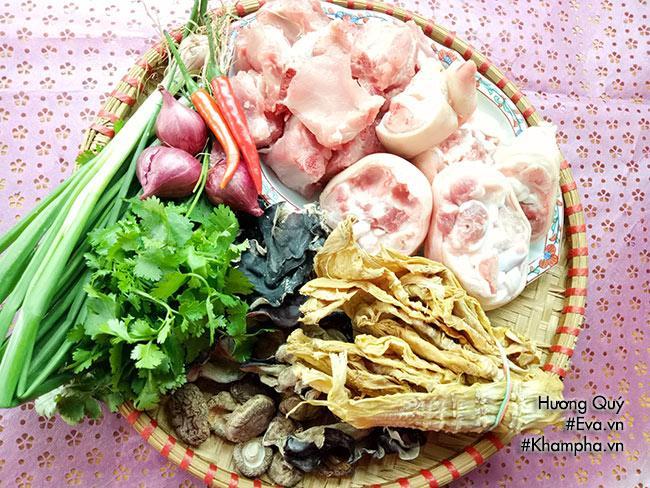 Canh măng khô móng giò mềm ngon mang hương vị truyền thống ngày Tết - 1