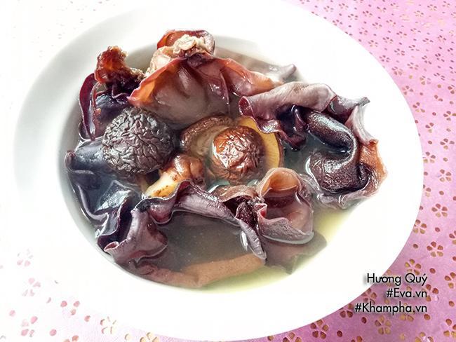 Canh măng khô móng giò mềm ngon mang hương vị truyền thống ngày Tết - 3