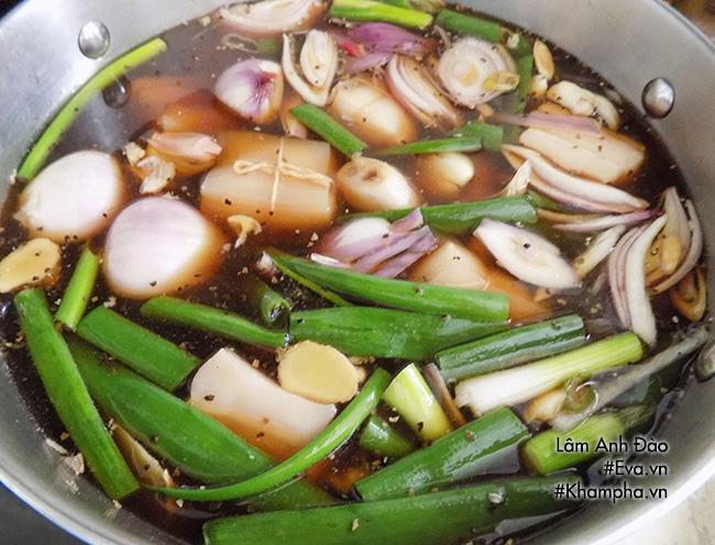 Thịt kho Đông Pha nóng hổi, mềm tan trong miệng - 5