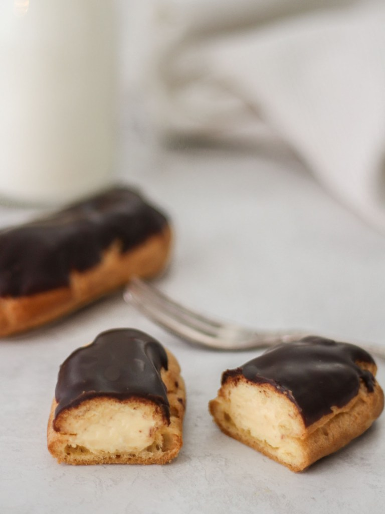 Eclair with Pastry Cream
