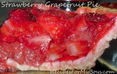 You are currently viewing Strawberry Grapefruit Pie