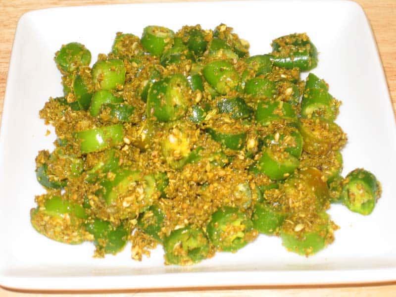 green chili pickle 1