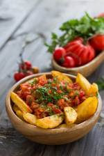 Welcome to my Airfryer Spanish spicy potatoes recipe.