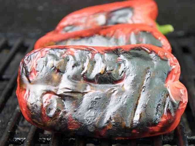 Chargrilled bell peppers/capsicum charring