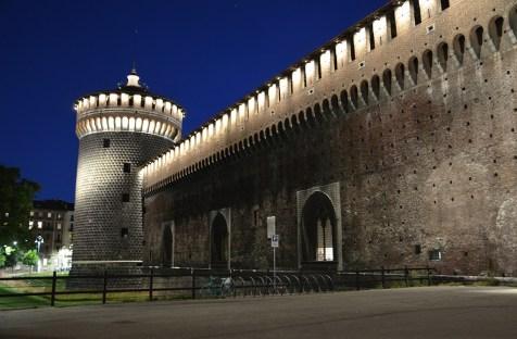 Façade du château Sforzesco de Milan, Italie