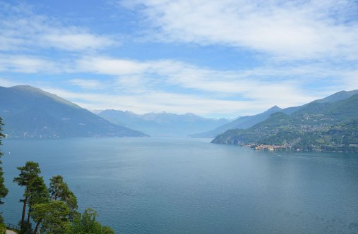 Vue sur le lac de Côme depuis Bellagio, Italie