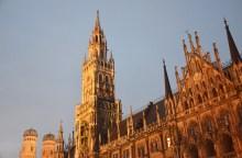 L'hôtel de Ville de Munich sur la Marienplatz