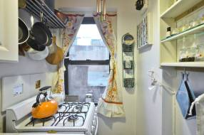 Cuisine de notre appartement AirBnB de Brooklyn, New York.