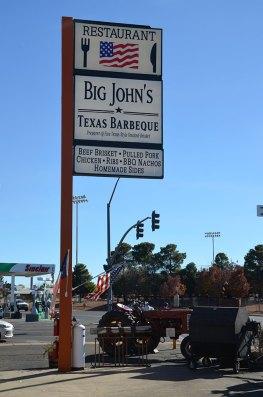 Big Panneau du restaurant John's Texas Barbecue à Page, USA