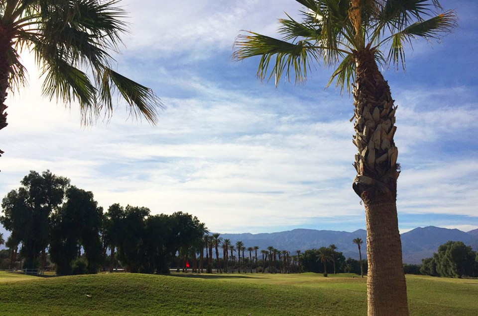 Le Golf Club de Furnace Creek, seule ville de Death Valley