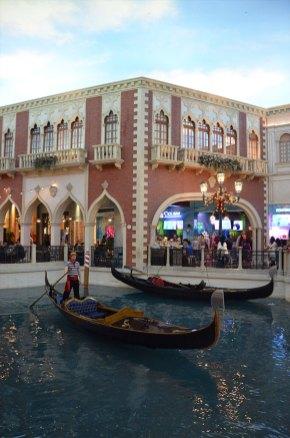 Les gondoles de Venise à l'intérieur du Venetian hôtel de Las Vegas