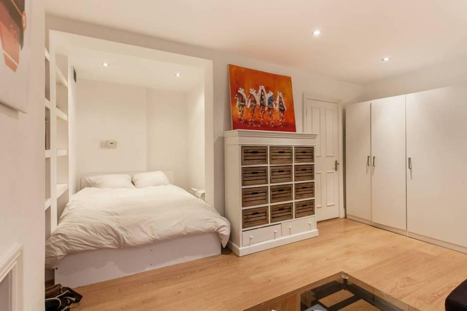 Salle principale d'un appartement londonien typique