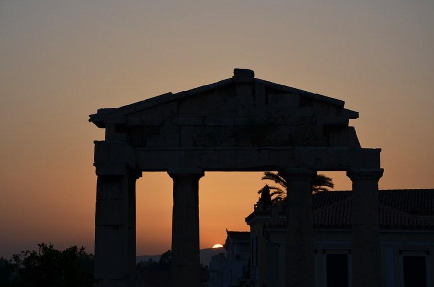 Coucher de soleil, rue Panos, Athènes, Grèce