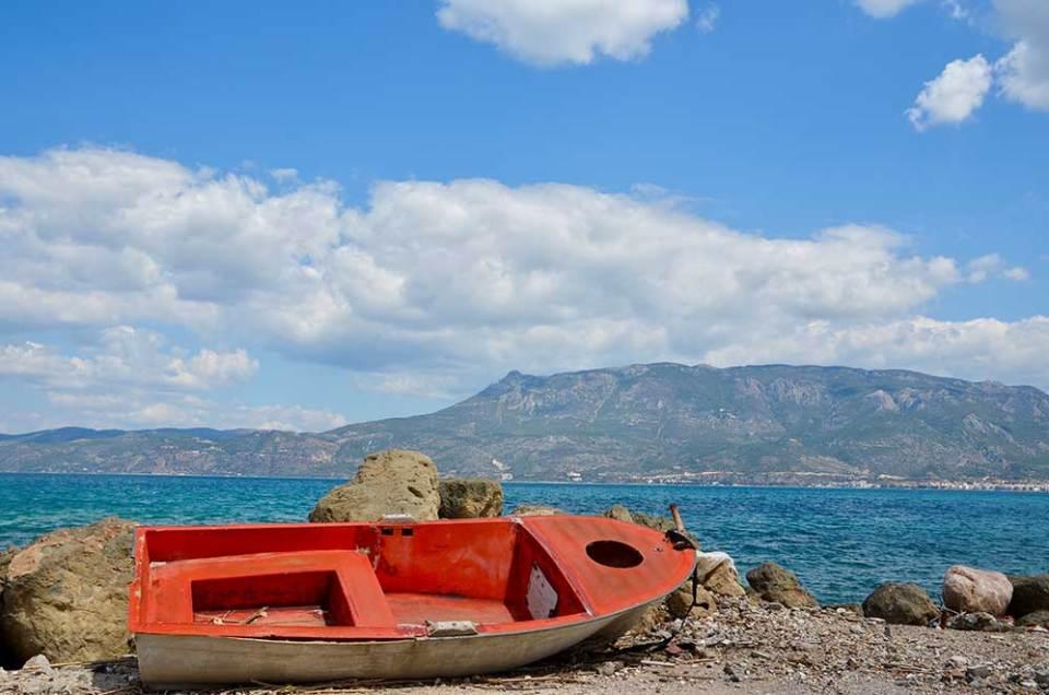 Vue sur la baie depuis Corinthe, Grèce