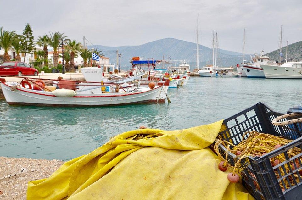 Les bateaux du port de Kilada, Grèce