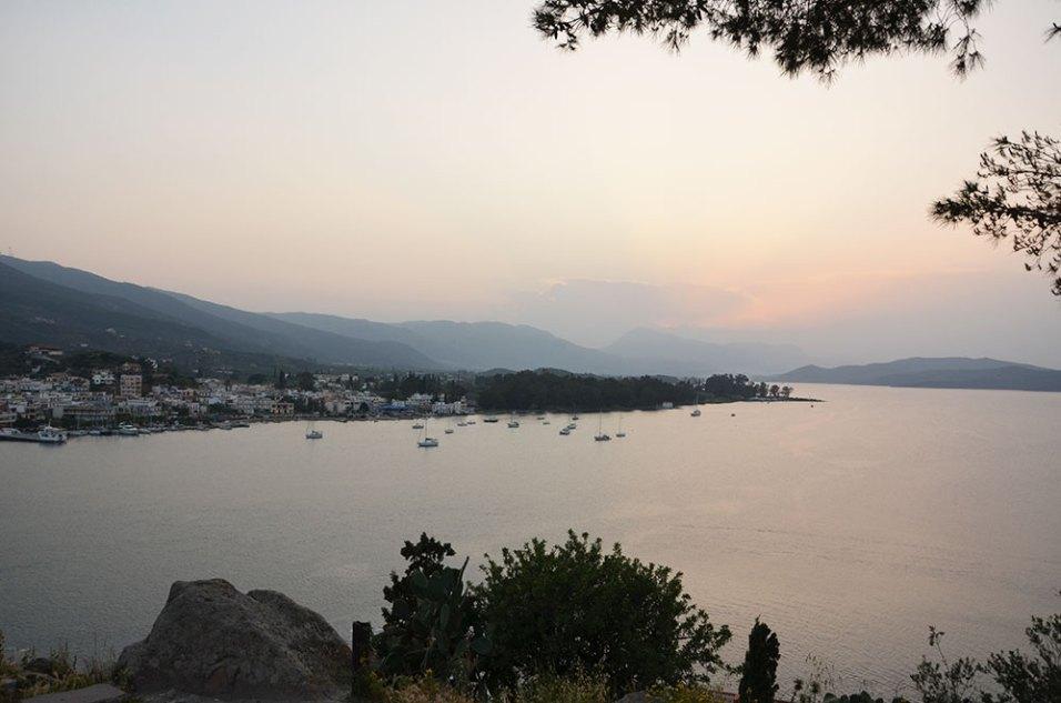 Coucher de soleil sur la baie de Poros