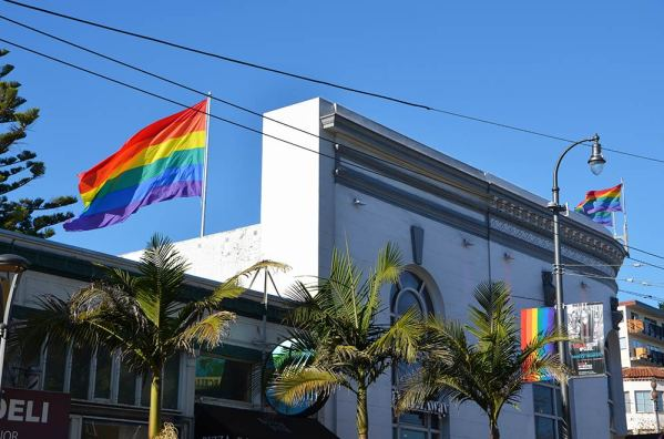 Drapeau arc en ciel, quartier Castro, San Francisco, USA