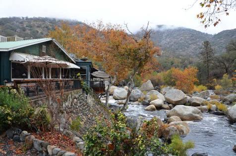 Vue sur le restaurant Gateway, Three Rivers, Sequoia National Park