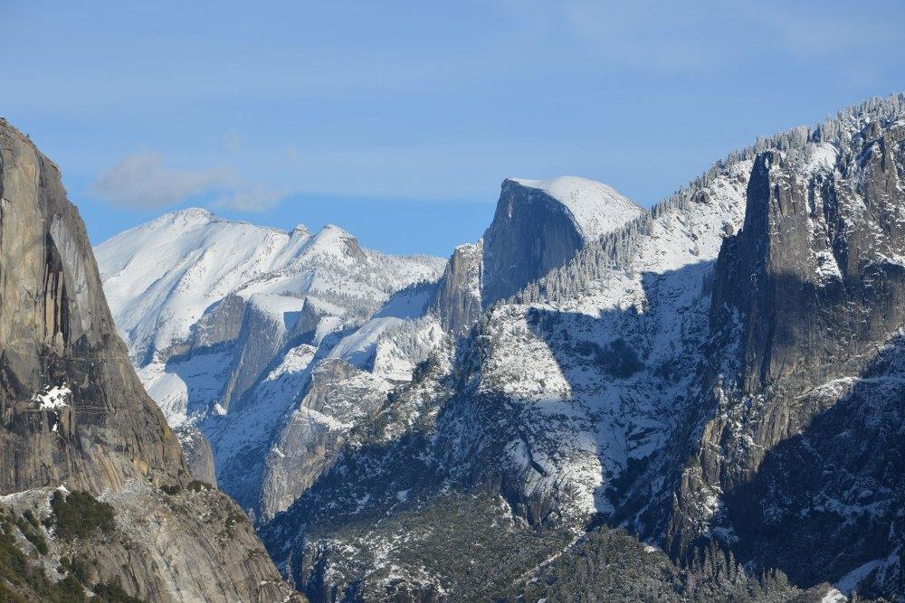 Le Yosemite National Park en hiver sous la neige