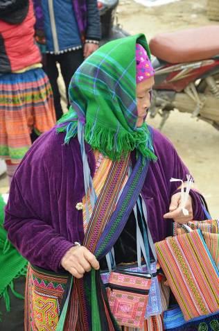 Vieille dame, Hmong, Marché de Bac Ha, Vietnam