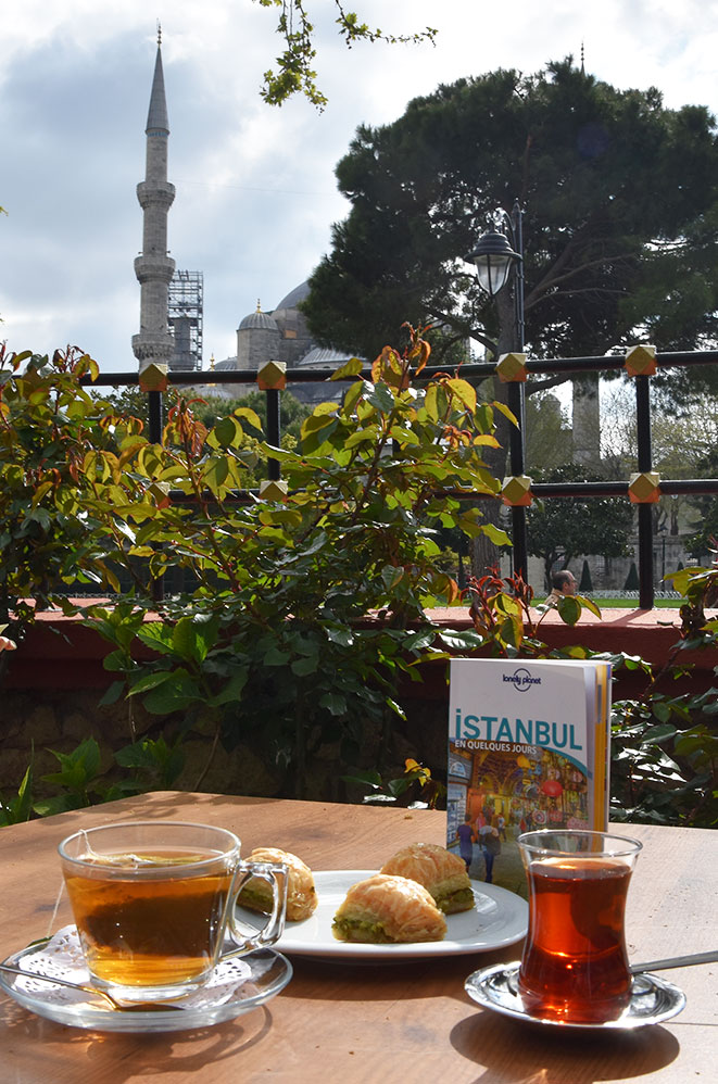 Pause thé, Istanbul, Turquie