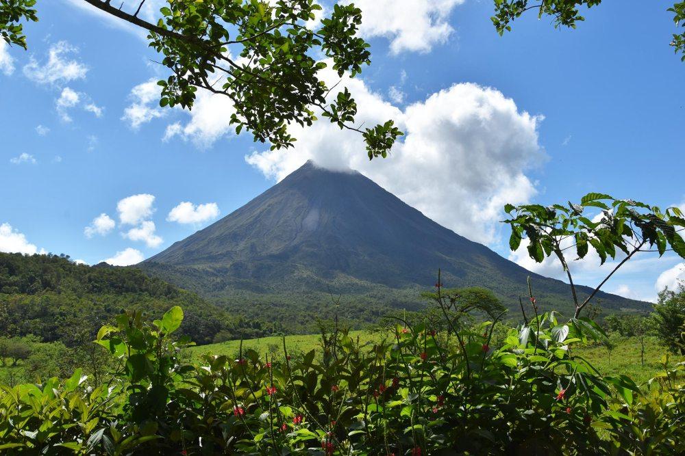 Vue panoramique sur le Volcan Arenal au Costa Rica